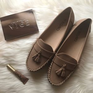 Krush Shoes - 💫 SALE 💫 Darcy Tassel Front Loafers in Tan