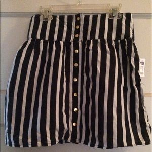 $⬇️ Charlotte Russe Pinstripe skirt with pockets