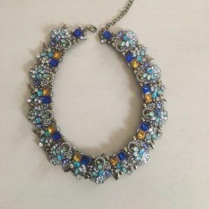 Olivia Welles statement necklace