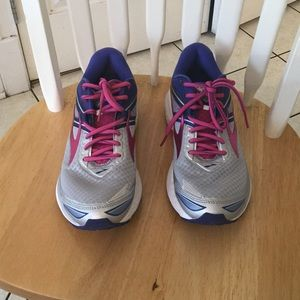 Brooks Other - Brooks sneakers