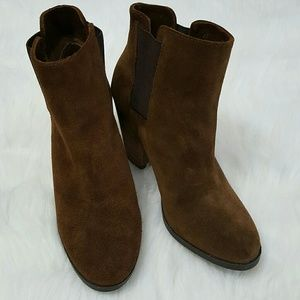 Vince Camuto Hessa bootie Size 7