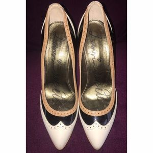 Preowned Lanvin Leather Clear Lucite Pointe Toe.