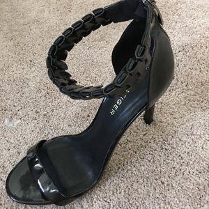 single sole heel by Kurt Geiger