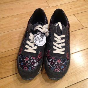 inkkas Shoes - BRAND NEW Inkkas sneakers!