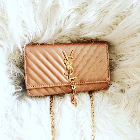 Champagne YSL cross-body purse 👑. M 5935f2072de5129c0d00c1f3 d4e0579eab7a9