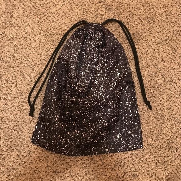 lululemon athletica - Lululemon drawstring bag from Erica's closet ...