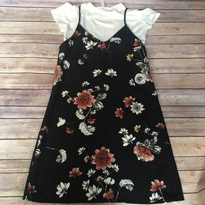 Dresses & Skirts - Nwt! Floral dress