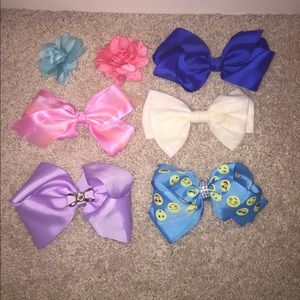 Other - BUNDLE OF BOWS!!