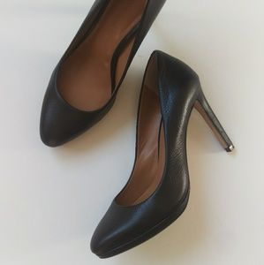 Banana Republic Black Leather Pump