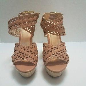 Shoe Republic LA platform Wedge Sandals Size 7