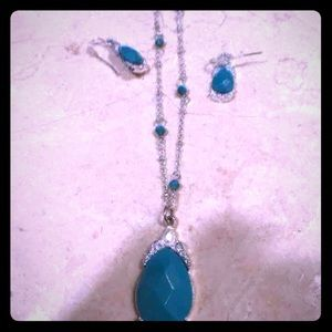 Jewelry - Silver/Turquoise necklace & earring set
