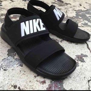 Nike Women Sandal Tanjun Style