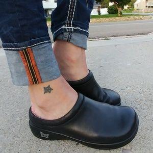 Alegria Shoes - Alegria Debra Black Leather Clogs