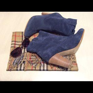 b. makowsky Shoes - 💙B Makowsky Blue Coachella Booties💙