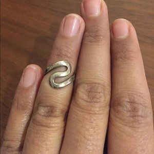 Jewelry - Metal Mod Boho swirl midi mid finger ring
