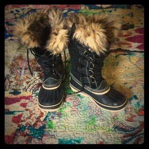 Sorel Shoes - 🌸Summer Sale🌼Sorel Joan of Arctic Boots