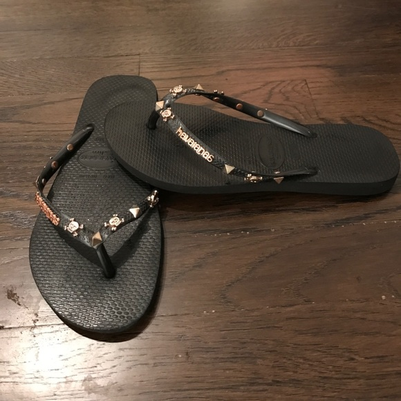 90e7eb843 Havaianas Shoes - Havaianas limited edition Neiman Marcus