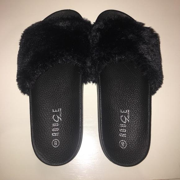 210994f0d4dc Rihanna Fenty Puma slides look alike. M 5936a88c99086afbf90017b0