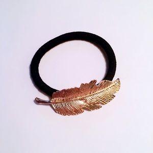 NWOT Leaf hair band