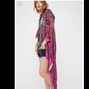 5c55f507ce0 Free People Tops - Free people magic dance border print kimono