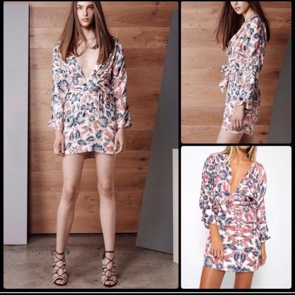 TALULAH Dresses & Skirts - Talulah isla paisley red white and blue dress