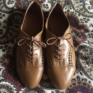NWOT H&M Tan Oxfords - Never Worn! & Brand New!