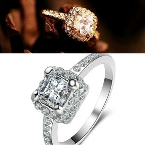 Jewelry - New!! Gold & Silver Princess Cz Crystal Ring