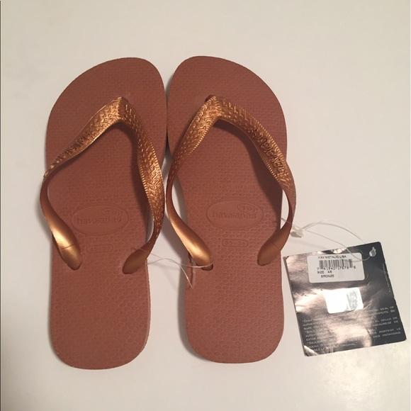 de37e4aac NWT havaianas flip flops bronze   Orange size 4 5