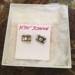 NWT Betsey Johnson camera earrings