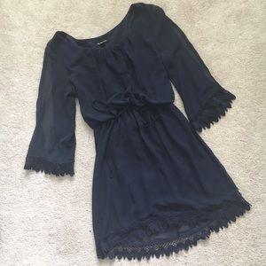 Jodi Kristopher Dresses & Skirts - Navy blue long sleeve synched chiffon dress