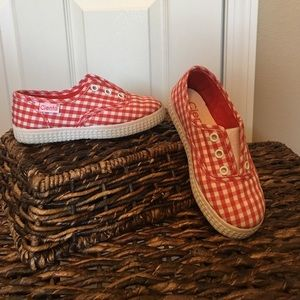 Cienta Other - Cienta Shoes-red and white gingham slip on
