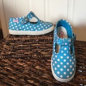 Cienta Other - Cienta Shoes-turquoise polka dot t-straps