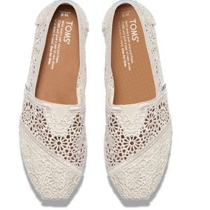 TOMS Shoes - NWT TOMS Moroccan CrochetClassics