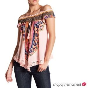 Meghan Fabulous Tops - 🌸🆕 Meghan Fabulous εïз Kingston Print Top εïз
