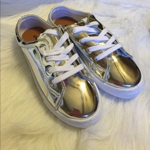 Shoes - Silver slide on sneakers