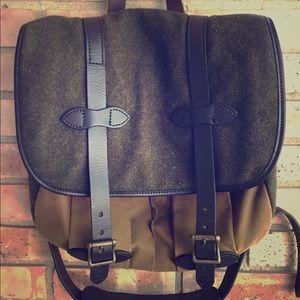 Filson Handbags - Limited Edition Vintage Filson Medium Field Bag