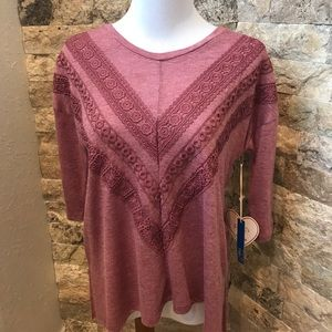 Rue 21 Tops - Rue 21 Top With Lace 3/4 Sleeve size Small