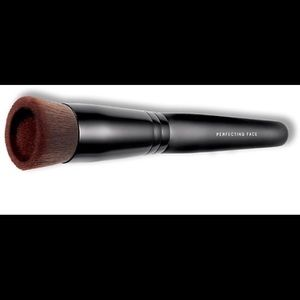 bareMinerals Other - Bare Minerals Perfecting Face Brush. NEW