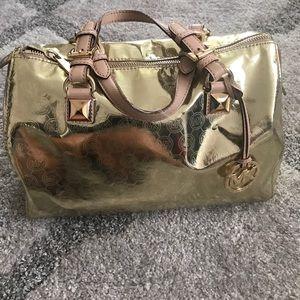 Michael Kors Handbags - 🎉PRICE DROP🎉 Michael Kors Grayson Gold Monogram