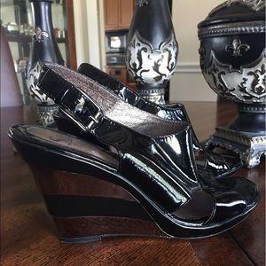 NEW! Sofft Black patent leather platform shoes