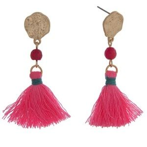 👂🏼Gold Tone Drop Post Neon Pink Tassel Earrings