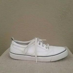 Bass Shoes - Bass joyce white sneakers