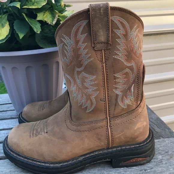 b06280c7d43c Ariat Shoes - EUC Ariat H2O 4LR footbed technology cowboy boots