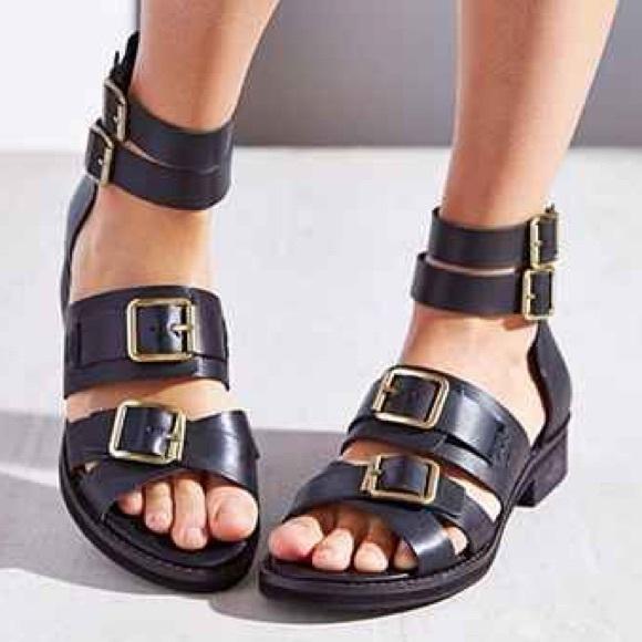 71705bcde9f3 Kelsi Dagger Shoes - Kelsi Dagger twist strap leather sandals