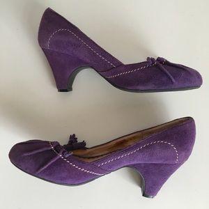 Perlina Shoes - Perlina Suede Princess pump
