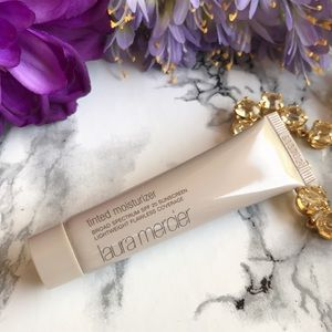 Laura Mercier Other - 🆕 NIB 🌷 Laura Mercier 💕 Tinted Moisturizer