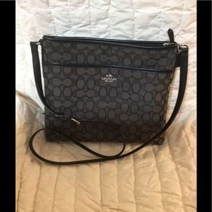 Coach crossbody Purse. Like new condition!