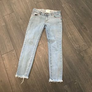 One Teaspoon Light Wash Skinny Jeans Size 27