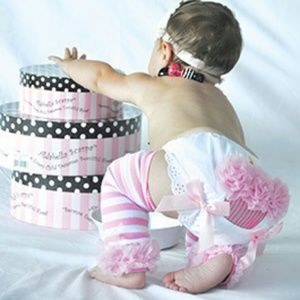 Other - BOUTIQUE new Cute cupcake Diaper cover Hot pink.
