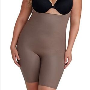 SPANX Other - Spanx Two Timing Reversible BodySuit PLUS SIZE